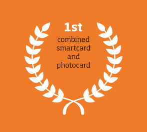 1st combined smartcard and photocard